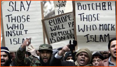 Glada islamister ironiserar över religionens påstådda våldsamhet